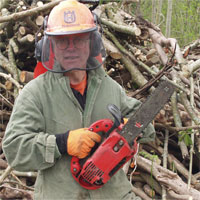 Man-with-chainsaw.jpg